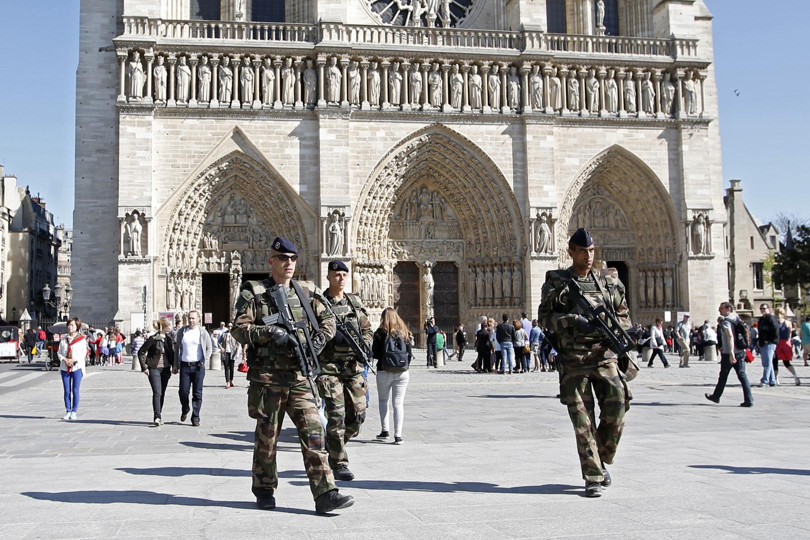 Le terroriste qui voulait faire un carnage dans les églises de la banlieue de Paris n'agit pas seul