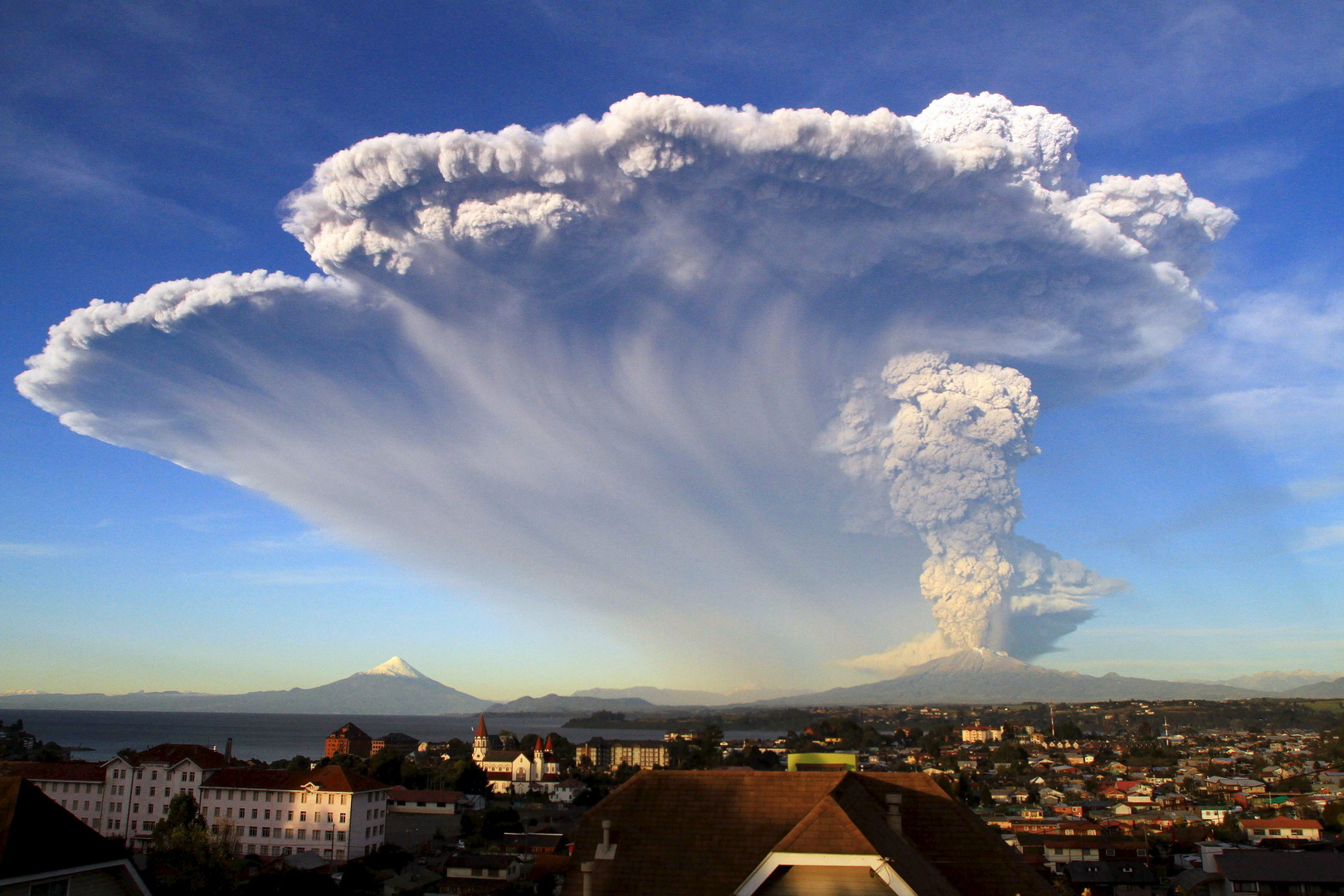 Eruption d'un volcan Calbuco au Chili