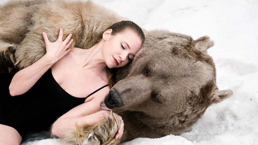 Lydia Fetisova et l'ours Stepan