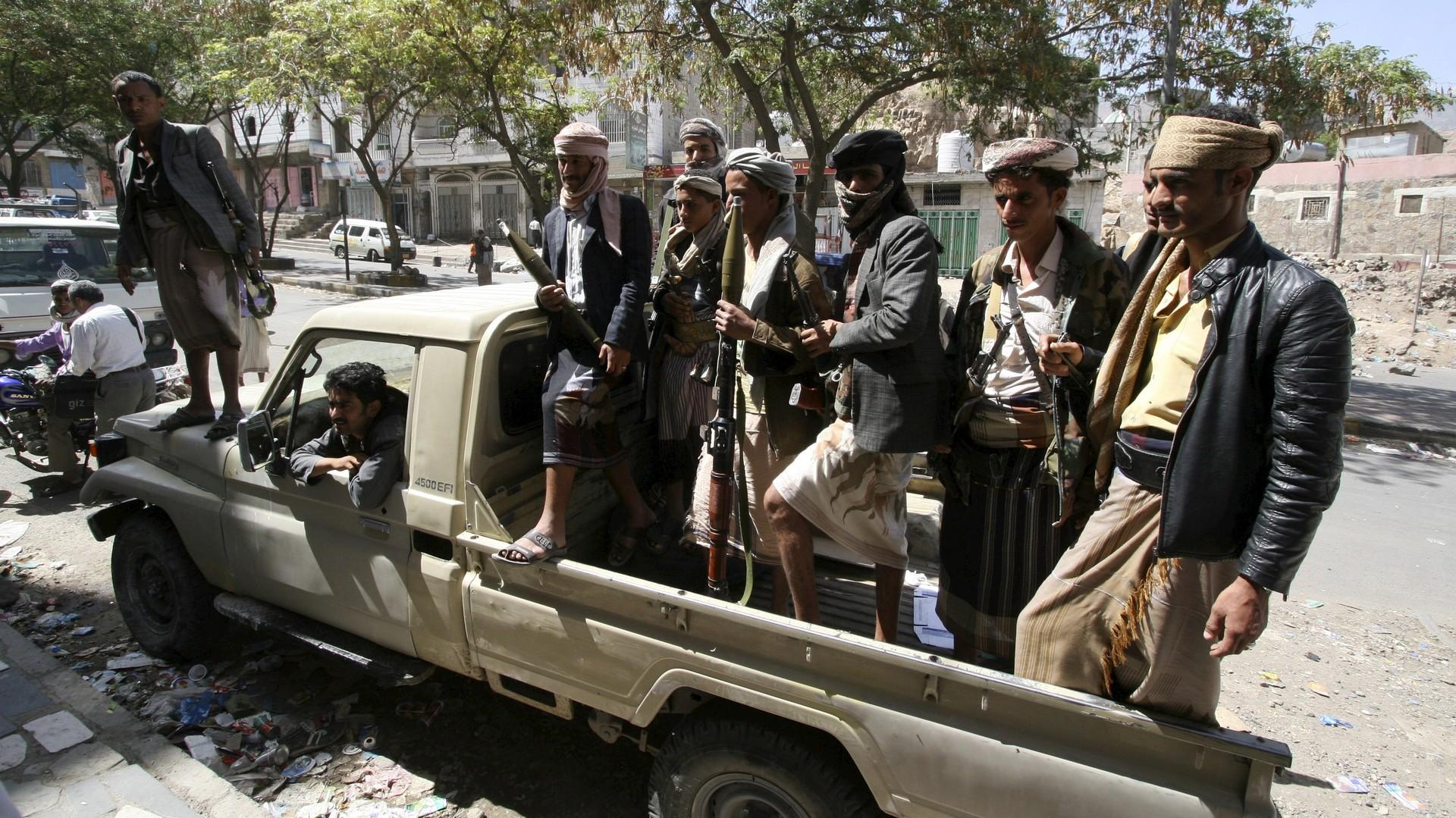 Des membres du comité de la résistance populaire yéménite à Taiz