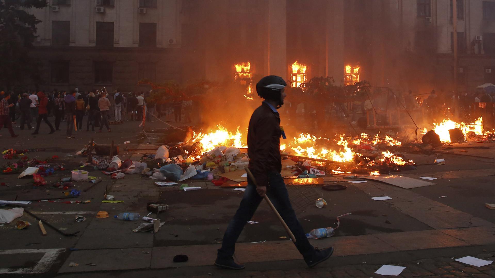 La maison des Syndicats mise à feu à Odessa