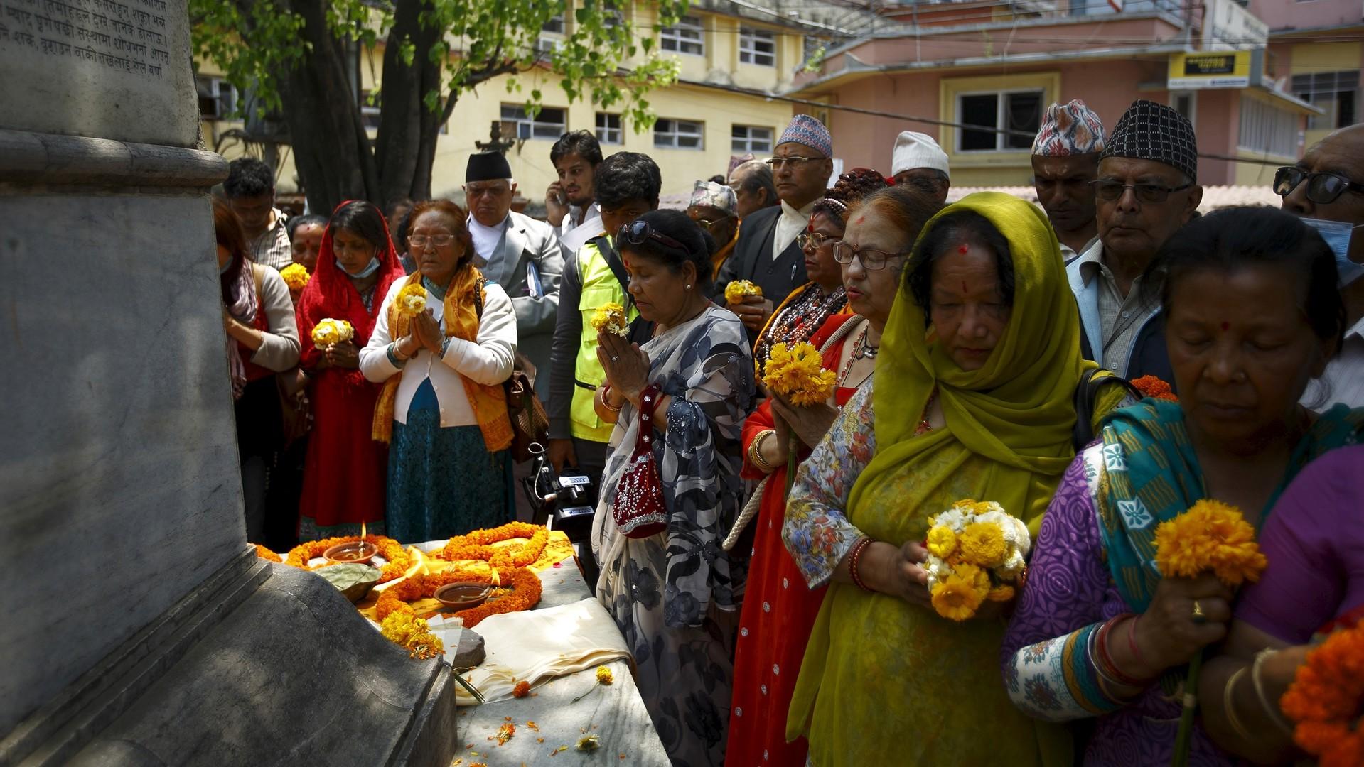 8 400 morts, le bilan du séisme du Népal poursuit sa hausse vertigineuse