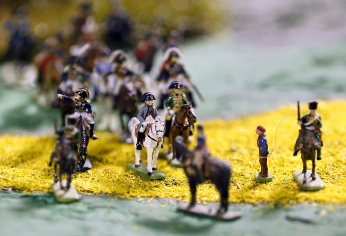 Figurine représentant l'empereur français Napoléon Bonaparte dans la bataille de Waterloo