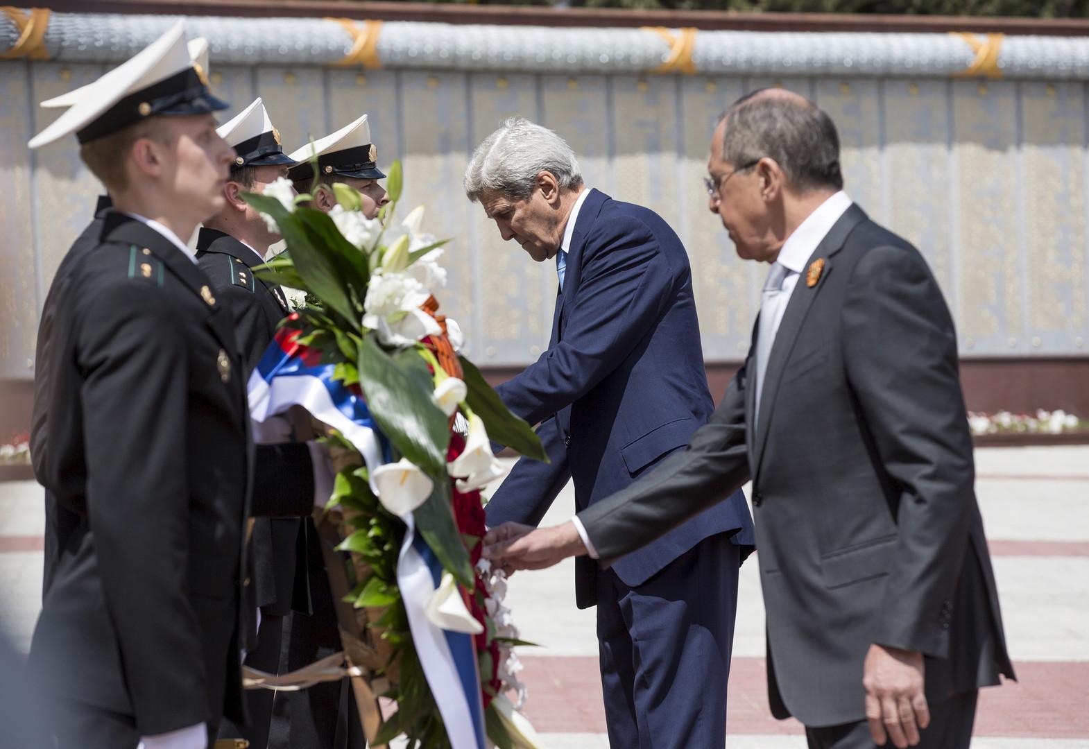 John Kerry appelle Petro Porochenko à «réfléchir à deux fois»