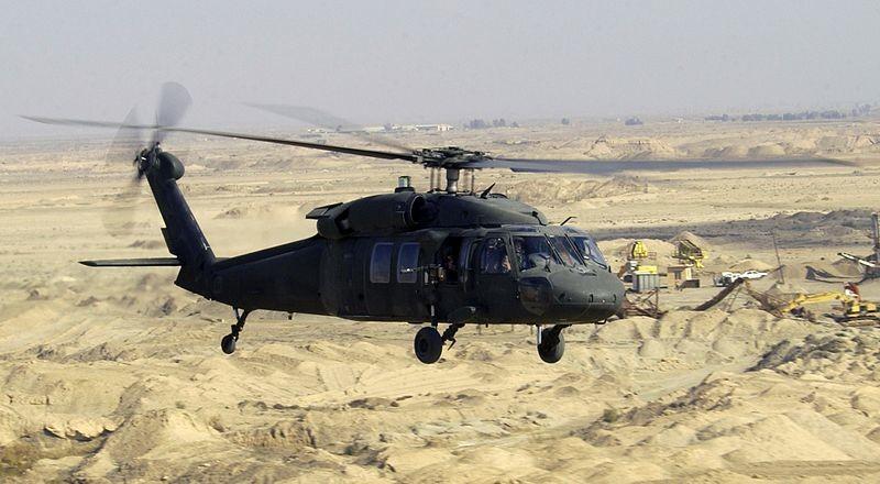 Un hélicoptère Black Hawk de l'US air force en Irak en 2004