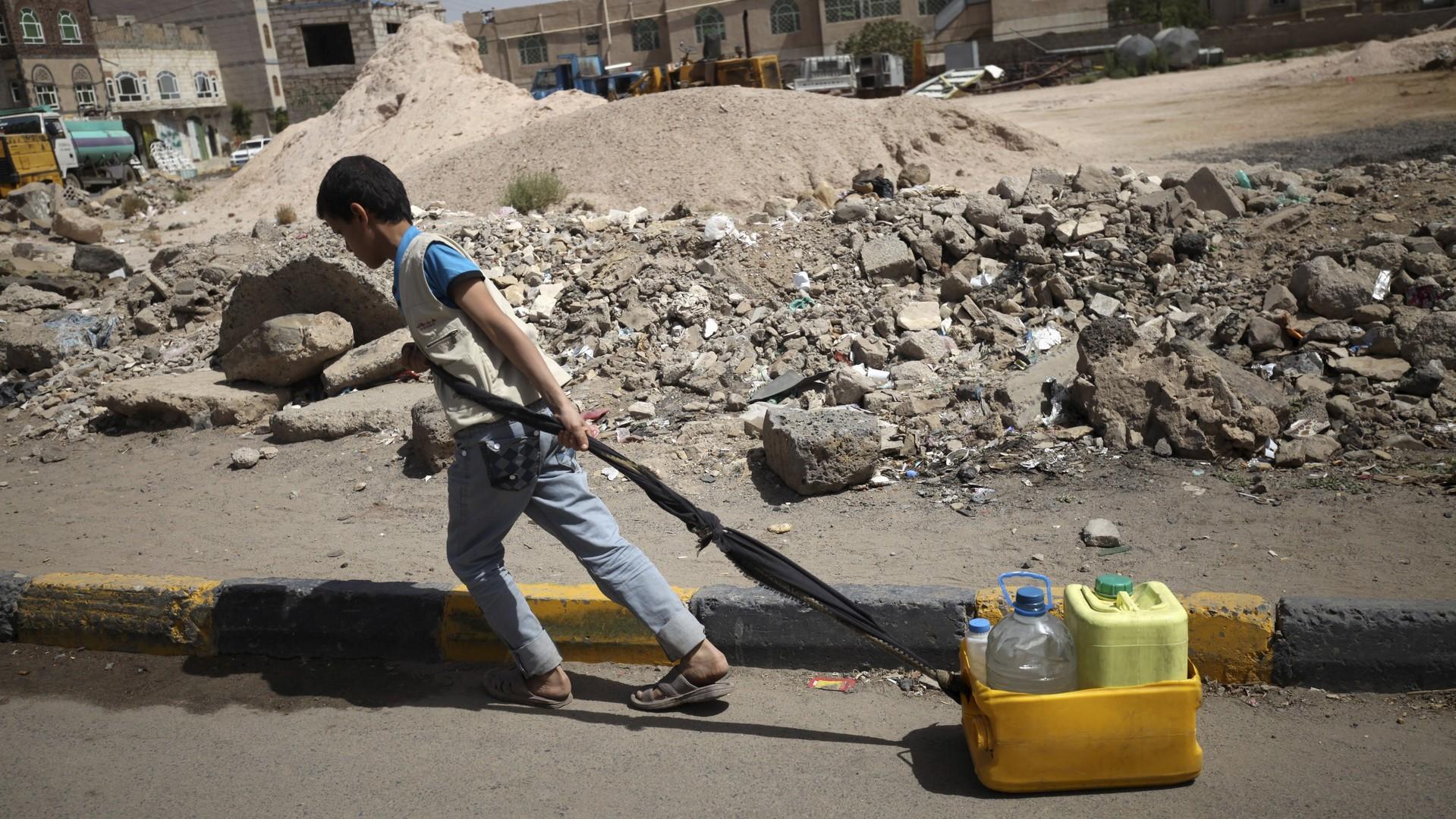 La flotte iranienne escorte un cargo d'aide humanitaire à destination du Yémen
