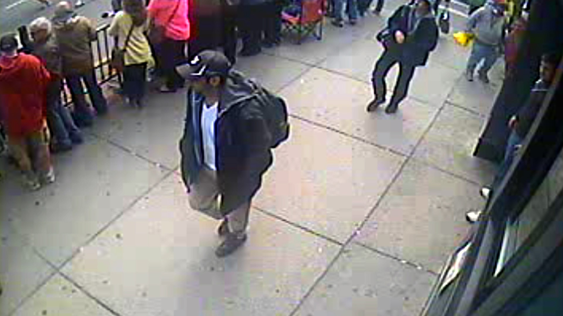 Une photo du FBI montrant Tamerlan et Djokhar Tsarnaev à Boston