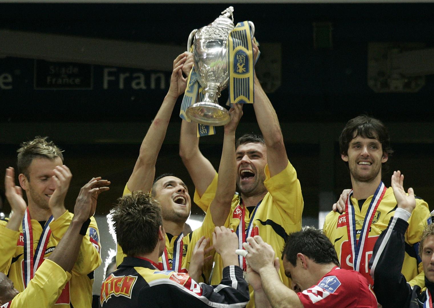 Les joueurs du FC Sochaux célébrant leur victoire en Coupe de France le 12 mai 2007