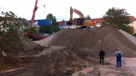 Le site de démolition d'une école à Hanovre (capture d'écran du compte Twitter @HAZ)