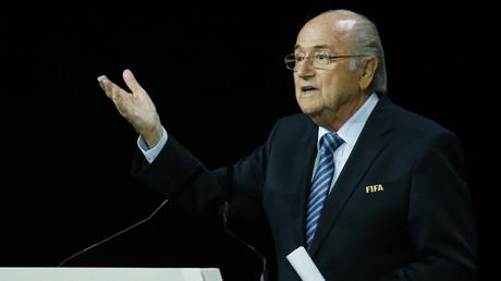 FIFA : «c'est du côté des Etats-Unis que vient la véritable pression», estime Alexander Mercouris