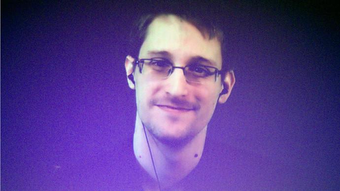 Lanceur d'alerte américain : être qualifié de traître, ce n'est pas rien aux Etats-Unis