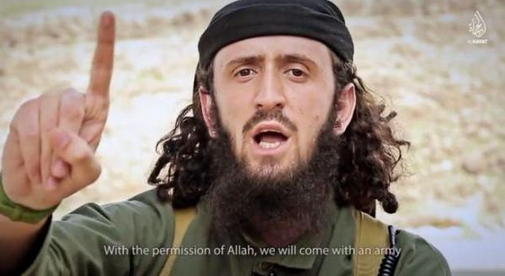 L'homme présenté comme Abu Muqatif Al-Kosovo, un djihadiste albanais du Kossovo.