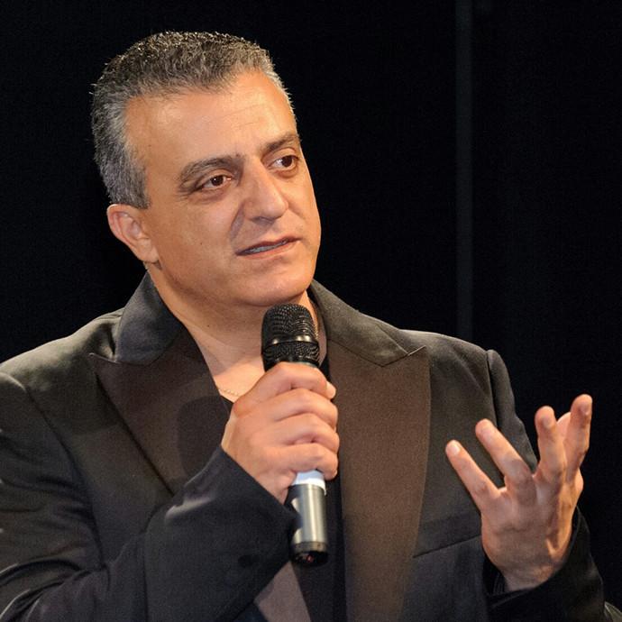 L'acteur israélien d'origine arabe refusant de jouer en Cisjordanie endure la pression des autorités