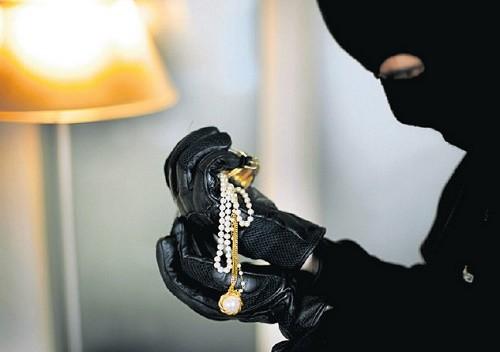 Une montre volée a été retrouvée au poignet d'un des suspects