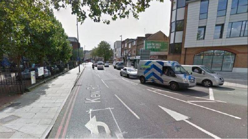 L'immeuble sur le toit duquel le corps a été découvert (capture d'écran BBC London Newsroom)