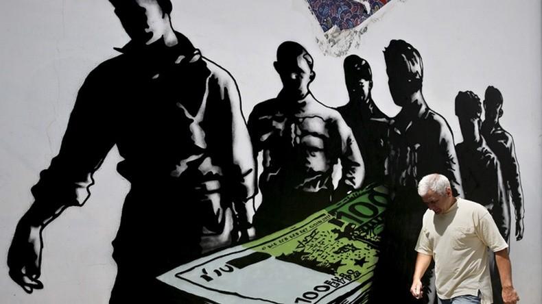 """""""Mort de l'euro"""" par Goin, street artiste français, à Athènes"""