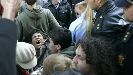 La police norvégienne interpelle des refugiés illégaux en juin 2006