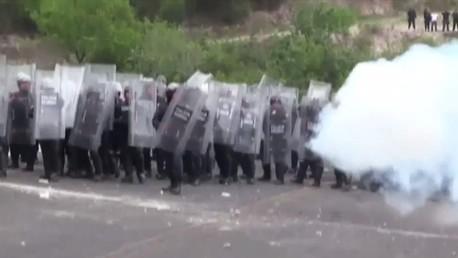 Le Mexique en ébullition : les protestataires prennent au piège la police