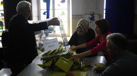 Le décompte des suffrages en Turquie