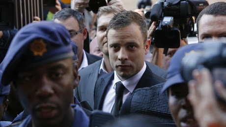 Oscar Pistorius arrive à la North Gauteng High Court, à Pretoria, le 12 septembre 2014