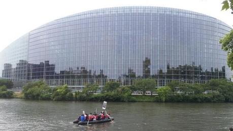 Partis d'Afrique, les migrants accostent à Strasbourg