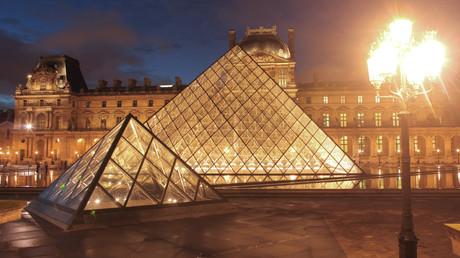 «Pourquoi ne pas commencer par le Louvre ?», Israël appelle au boycott