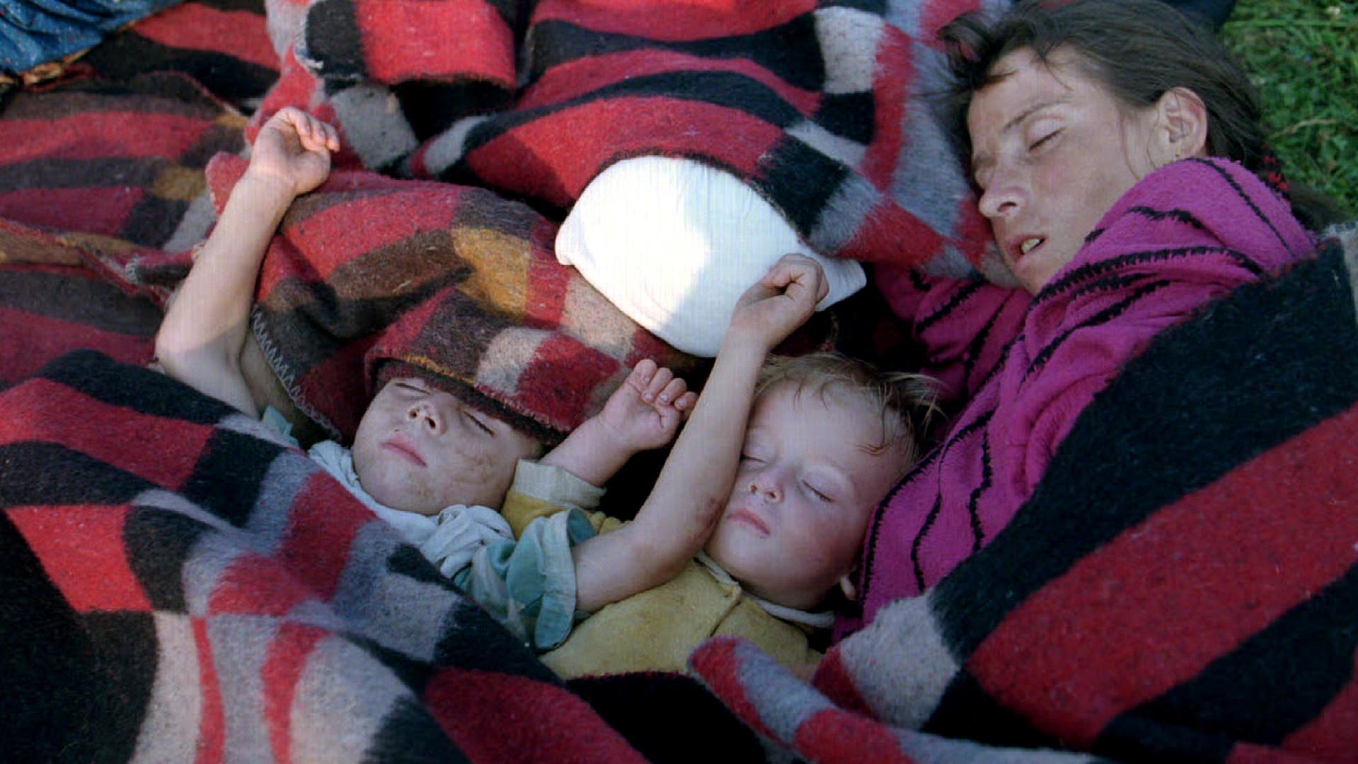 Des réfugiés de Srebrenica dans un camp de réfugiés de l'ONU