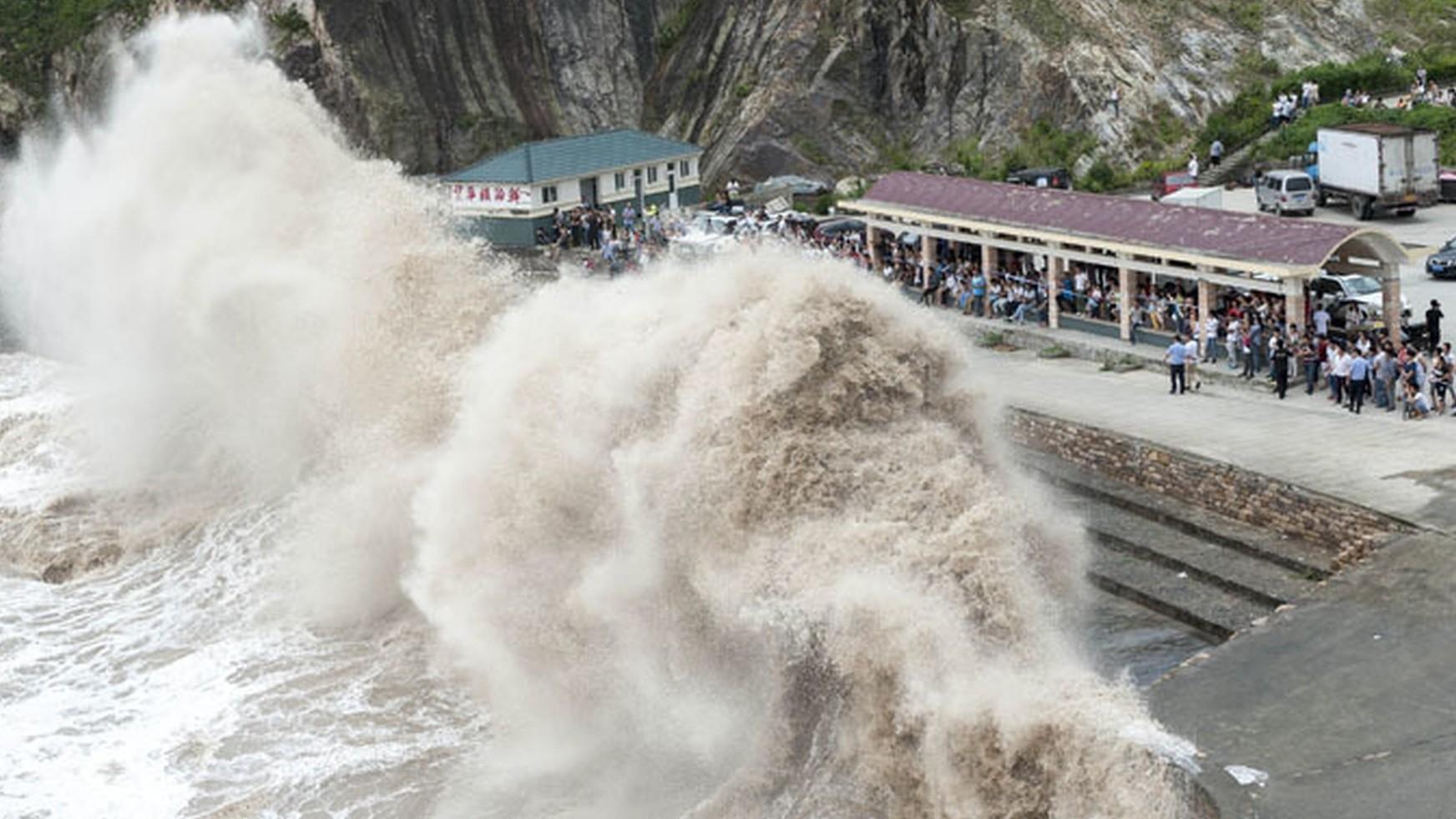 Plus d'un million de Chinois évacuées de la côte est du pays à cause du typhon Chan-hom (PHOTOS)