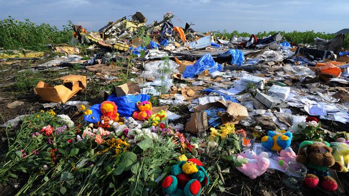 Les fleurs sur le lieu du crash