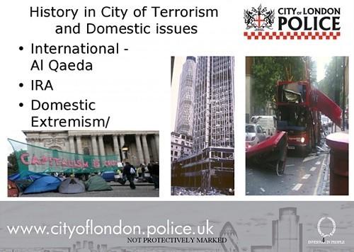 «Les vrais terroristes sont les banquiers» pour Occupy, qualifié ainsi par la police de Londres