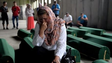 La Bosnie pleure les victimes de Srebrenica identifiées récemment