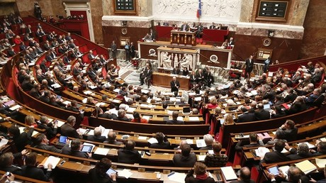 Les politiques français à court d'arguments évoquent souvent Hitler et le nazisme