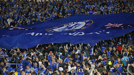 Interdictions de stade pour des fans de Chelsea après une agression raciste dans le métro parisien