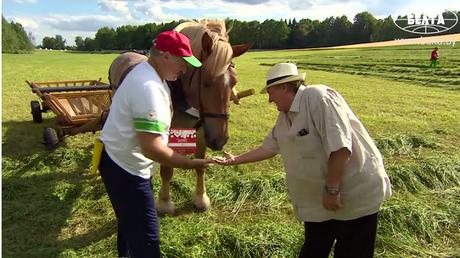 Gérard Depardieu dans son périple biélorusse (capture de l'agence de presse nationale biélorusse)