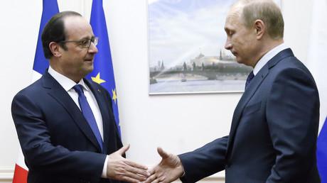 Une décision de Hollande «dans les prochaines semaines» sur la vente des Mistral à la Russie