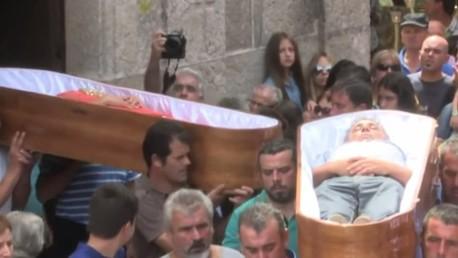 Des cercueils pour des vivants en Espagne