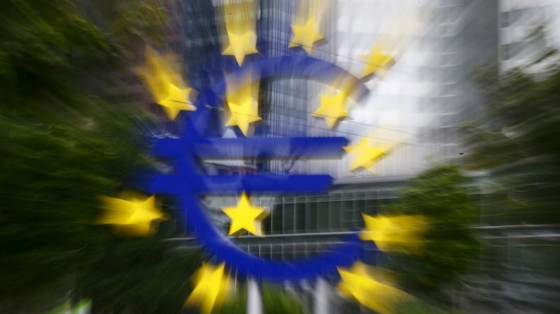 """""""Euro"""" en face de l'ancien QG de la Banque centrale européenne"""