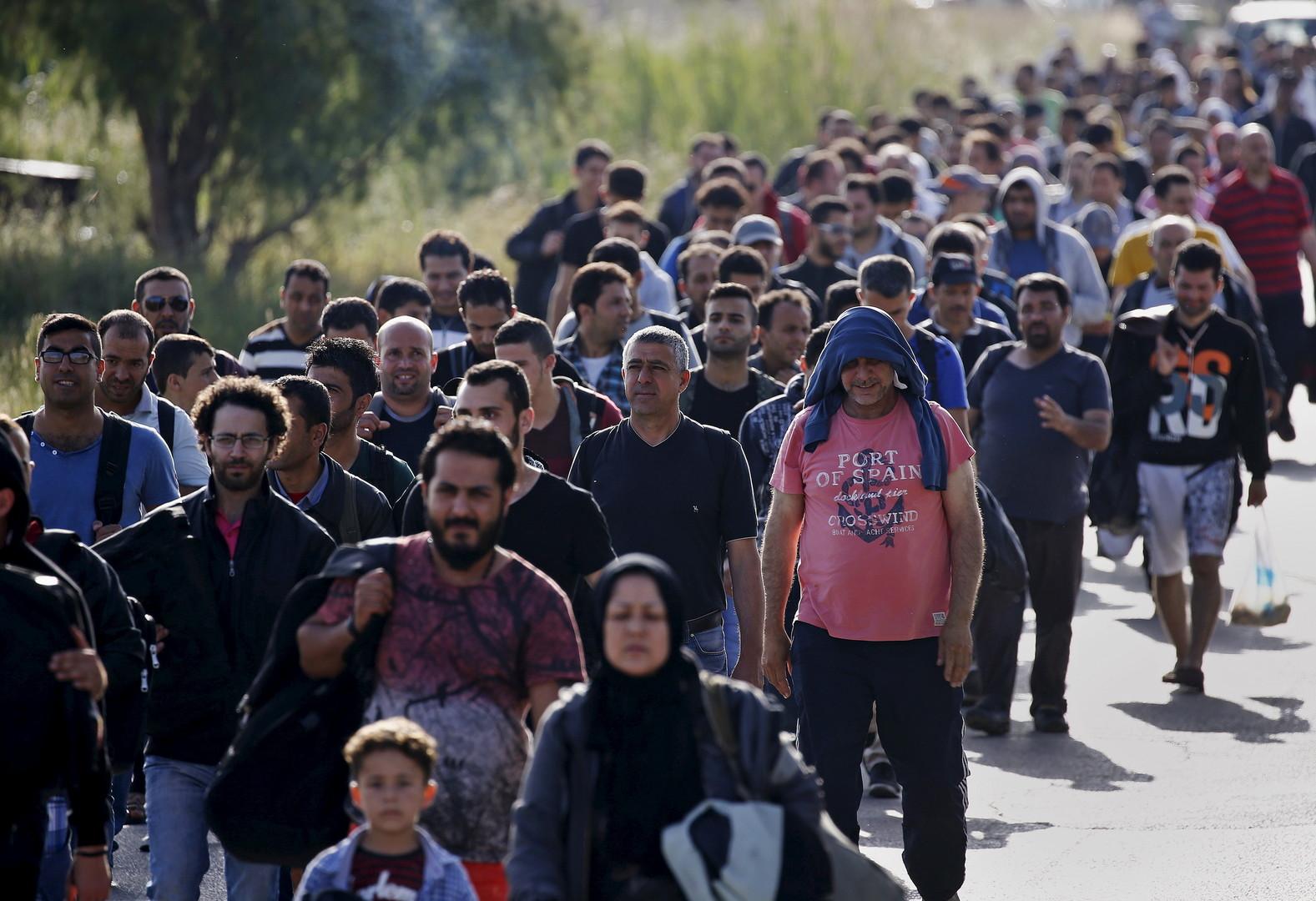 Venus de Turquie, des centaines de migrants arrivent tous les jours dans le centre de réfugiés à Kos, en Grèce