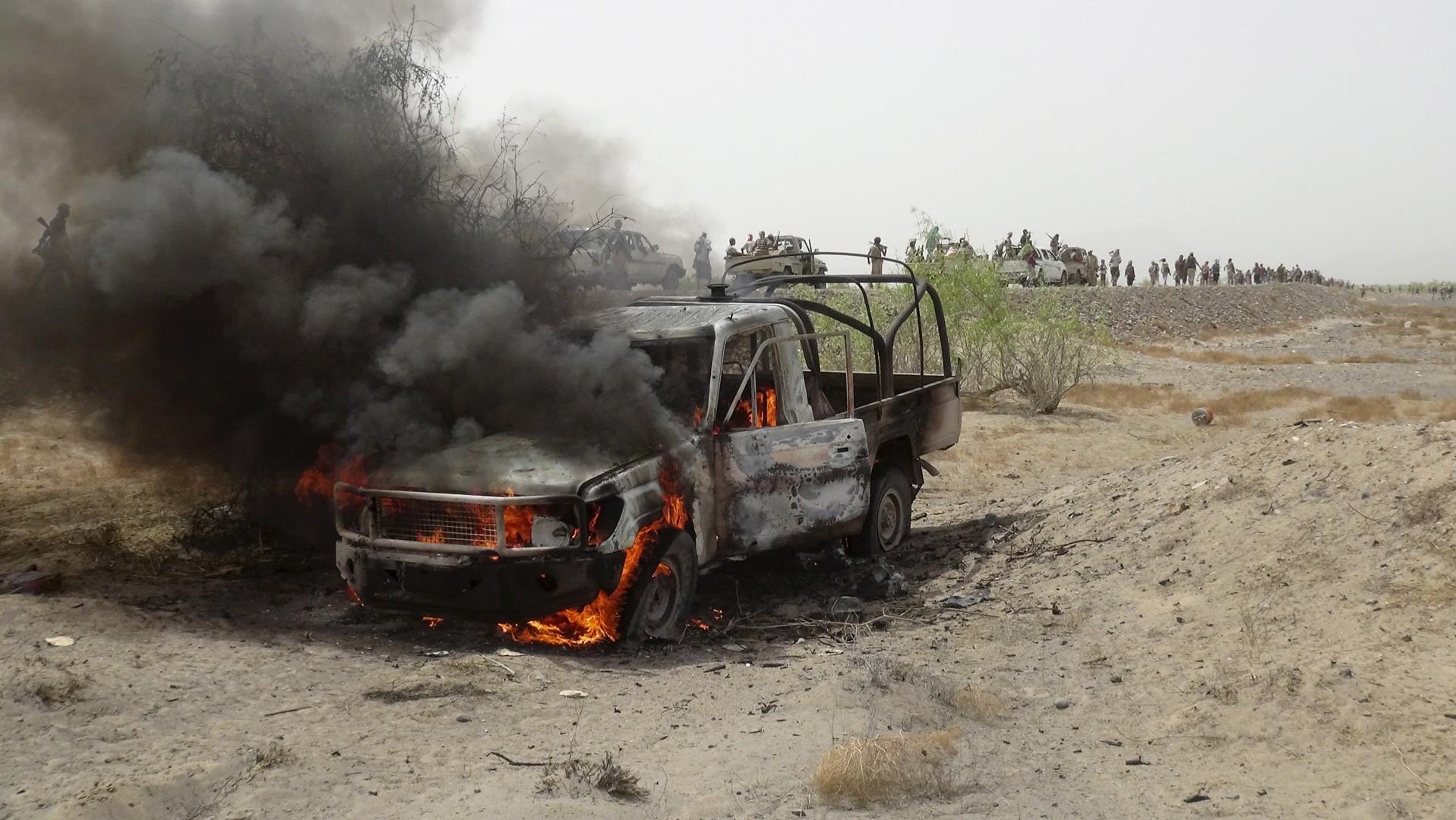 Un véhicule houthis incendié