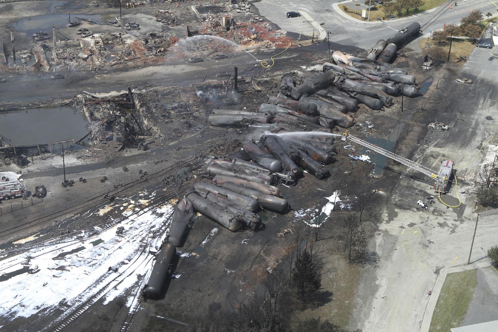 Durant quatre jours, la ville de Lac-Mégantic a été ravagée par un incendie suite au déraillement d'un train chargé de pétrole.