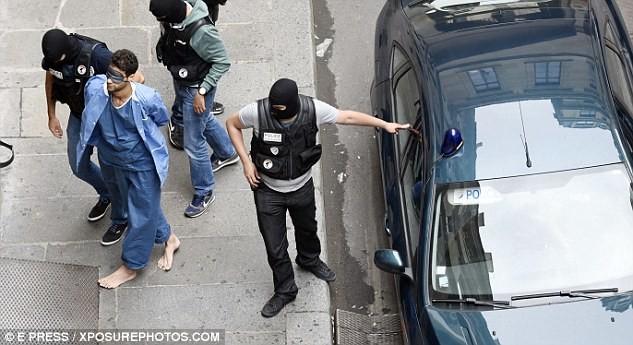 Thalys : l'avocat d'Ayoub El Khazzani scandalisé par le traitement «inhumain» réservé à son client
