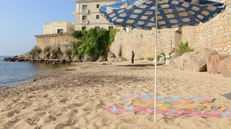 Vallauris, le roi Salmane fait ses valises, les baigneurs plantent leurs parasols