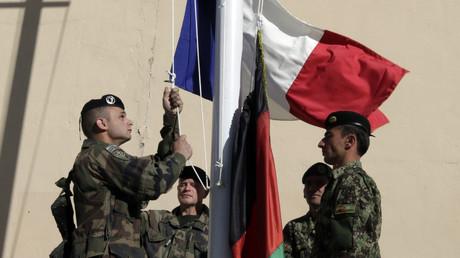 Si la France a quitté l'Afghanistan en décembre 2014, de nombreux interprètes ayant travaillé avec l'armée restent sur place et sont la cible de menaces.