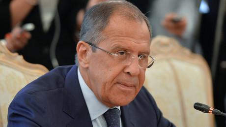Lavrov : «les déclarations de Porochenko sur une possible agression russe en Europe sont du délire»