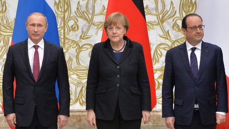 Poutine, Merkel et Hollande confirment la nécessité d'appliquer les accords de Minsk pour progresser