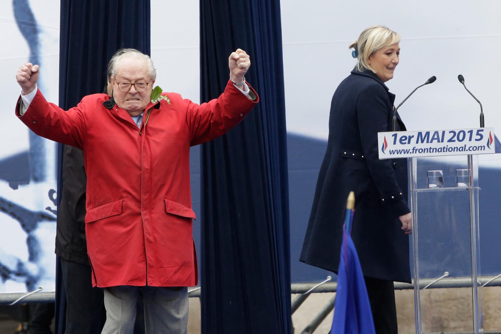 Entre Marine Le Pen et son père, les ponts sont coupés. Mais nombreux sont ceux qui estiment que Marion Maréchal-Le Pen commence aussi à faire de l'ombre à sa tante.