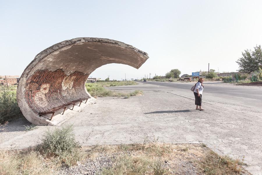 La créativité où on ne l'attend pas : les arrêts de bus soviétiques vus par un photographe canadien