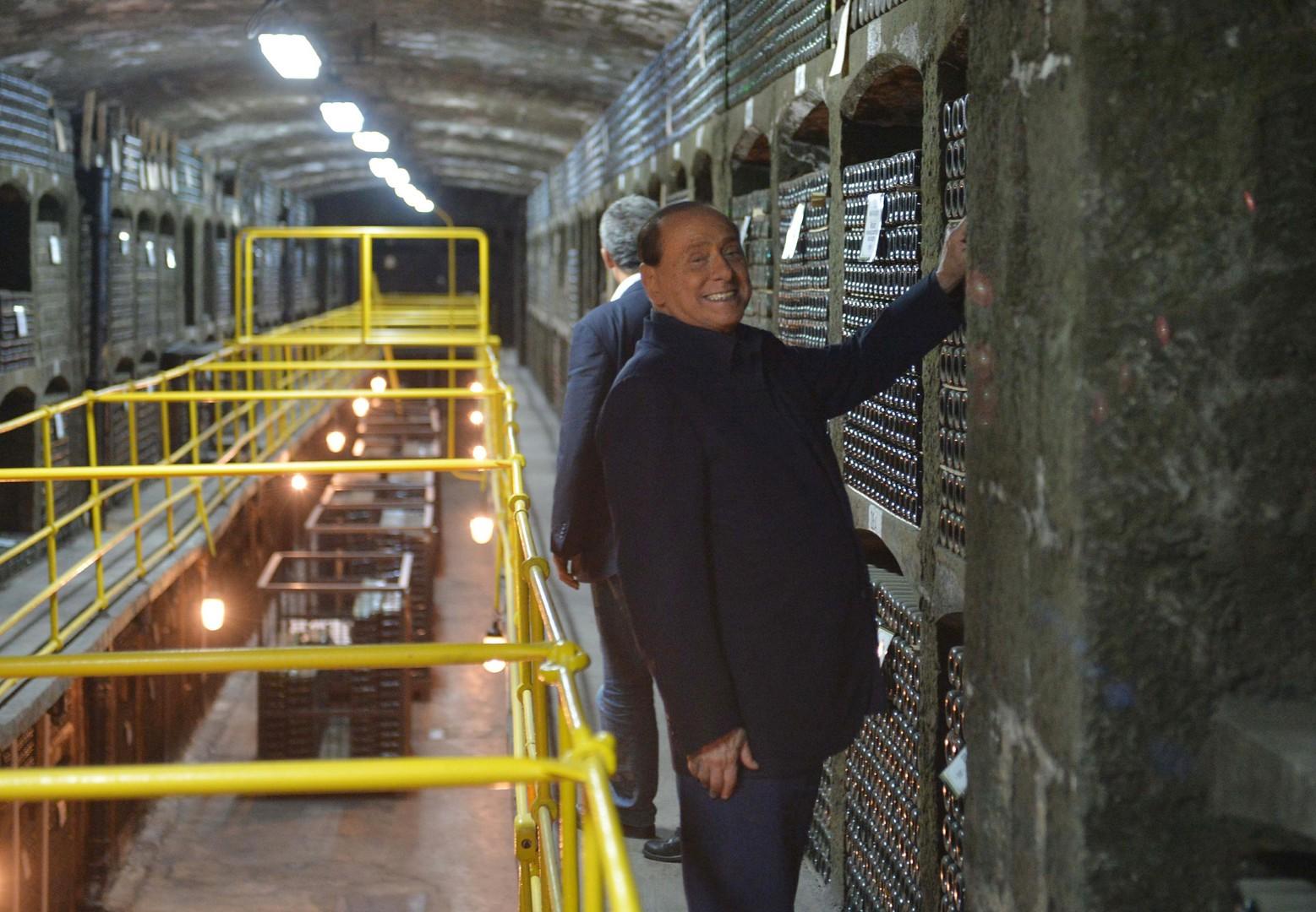 Silvio Berlusconi dans les caves de Massandra