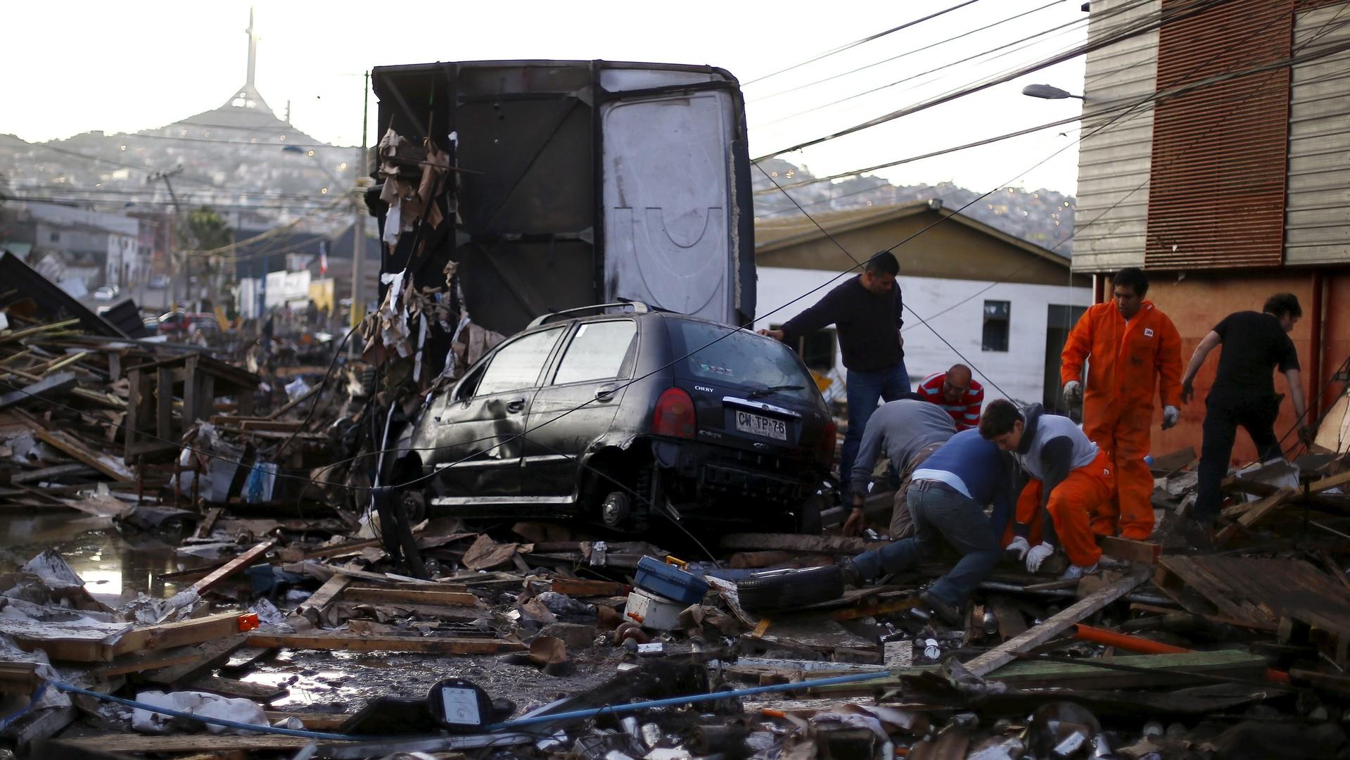 Les 17 et 18 septembre, deux séismes de magnitude 8,3 et 6,3 ont eu lieu au Chili