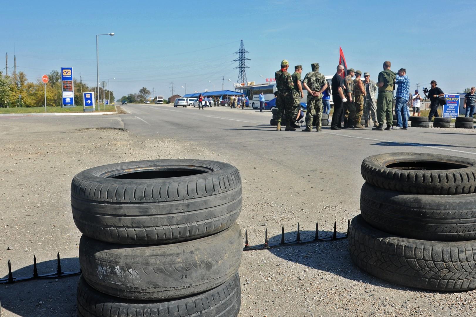 Tatars, Secteur droit et ministère de l'Intérieur opèrent le blocus commercial de la Crimée